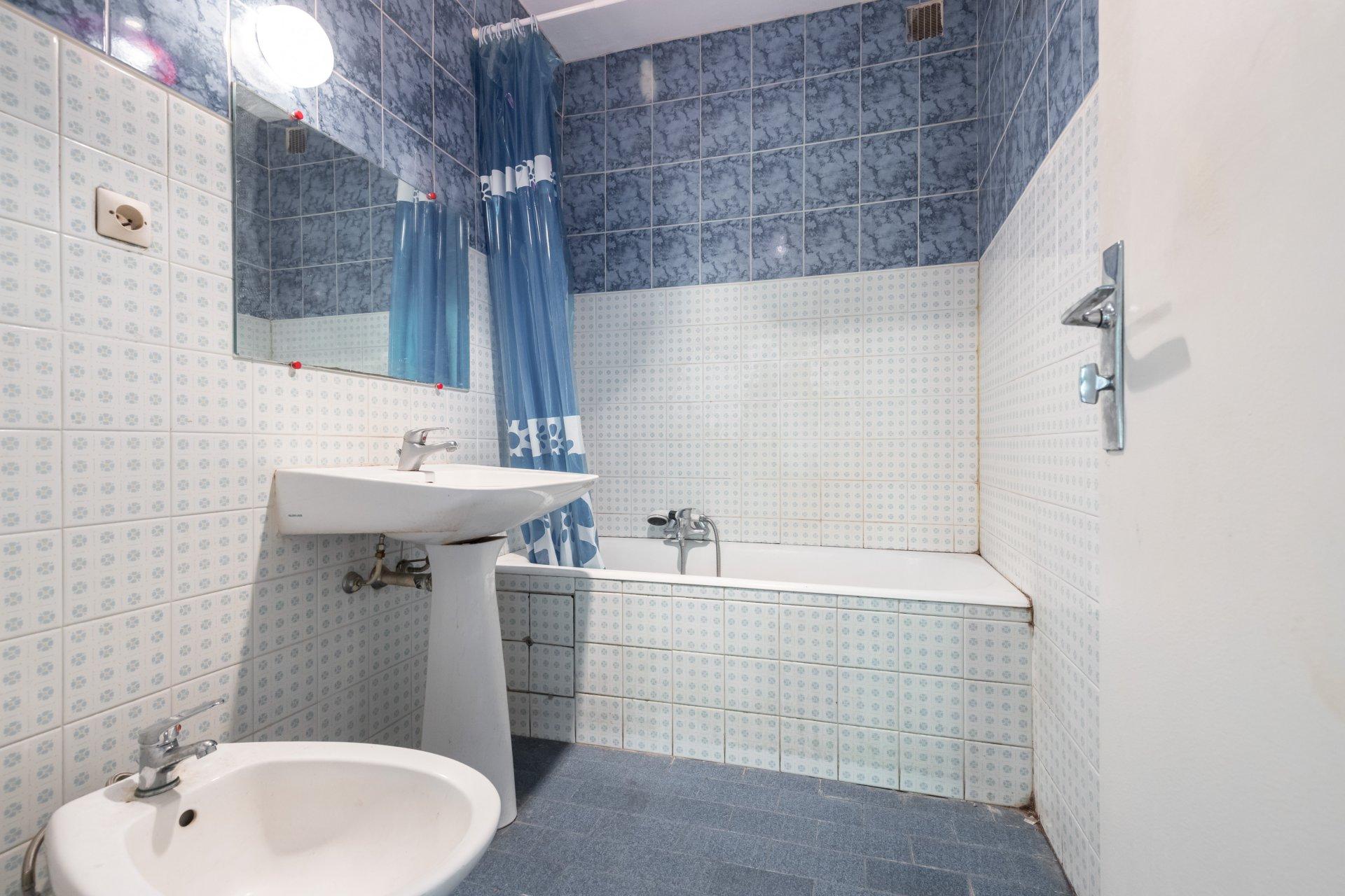 appartement 3 pi ce s nice haut de cimiez ref aptr3a0 appartement r nover. Black Bedroom Furniture Sets. Home Design Ideas