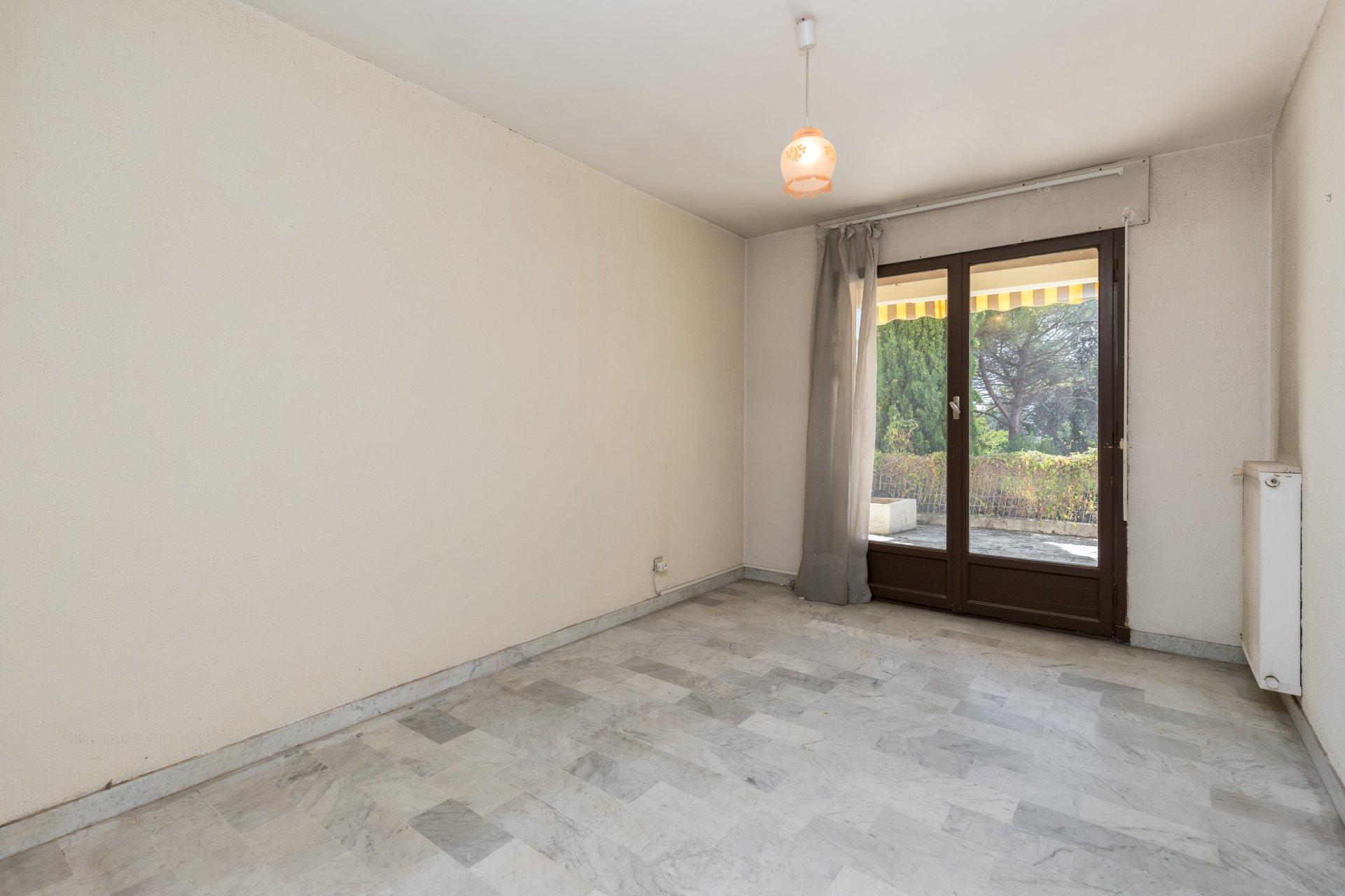 appartement 3 pi ce s nice haut de cimiez ref aptr3a0. Black Bedroom Furniture Sets. Home Design Ideas