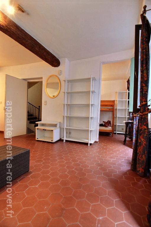 appartement vieux nice 2 pi ce s m2 ref 13. Black Bedroom Furniture Sets. Home Design Ideas